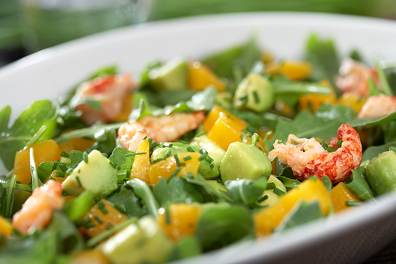 Salad with mango chunks