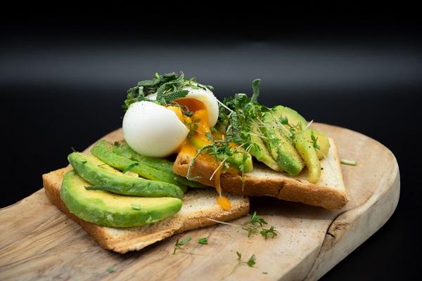 Toast with avocado slices